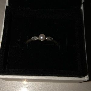 Pandora Ring with Pearl